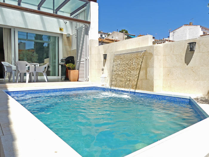 House -                                       Colera -                                       6 bedrooms -                                       12 persons